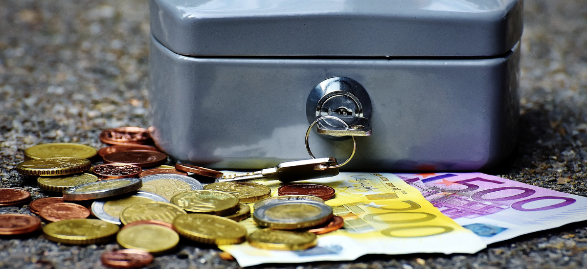 Spórolt pénz - Y Generáció Iskolaszövetkezet