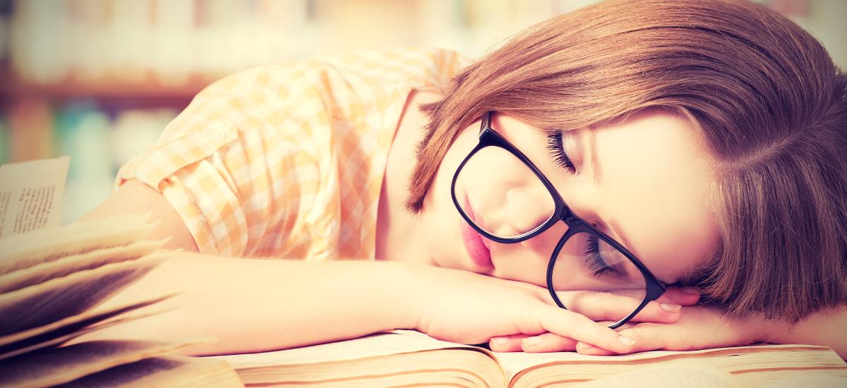 Elegendő alvás - Y Generáció Iskolaszövetkezet
