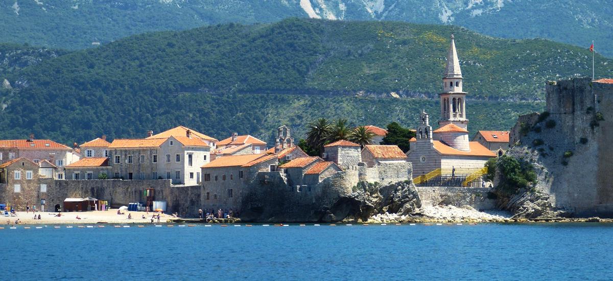 Montenegró - Y Generáció Iskolaszövetkezet